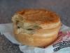 """W Patrick's Pies w Betlehem można kupić jedne z najsmaczniejszych """"pie"""" w kraju!; Nowa Zelandia"""