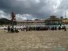 Zgromadzenie przed kościołem w San Juan Chamula; Meksyk