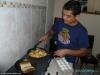 Jaime przygotowuje kolację, La Ceiba; Honduras