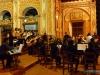 Koncert chóru w kościele Jezuitów podczas Święta Orchidei w Concepción; Boliwia