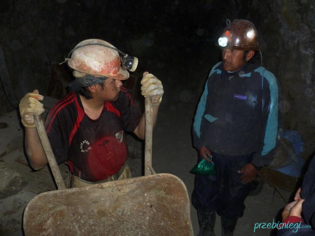 Górnicy w kopalni srebra w Cerro Rico – Potosí; Boliwia