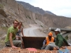 """Na pace"" ciężarówki nad wodospad Sipia - kanion Cotahuasi; Peru"