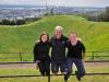 Na Mt. Eden - my i Hamish (nasz gospodarz z couchsurfing); Nowa Zelandia