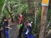 Alice Eaves Scenic Reserve (Eaves Bush) w Orewa - czyszczenie butów przed wejściem na szlak!; Nowa Zelandia